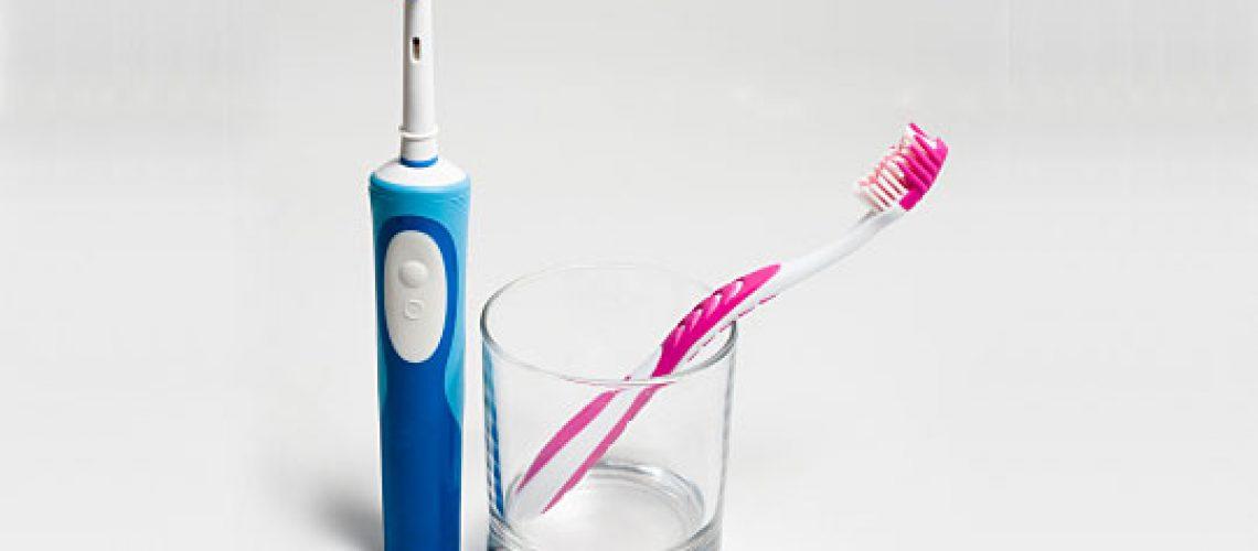 cepillo-dental-manual-electrico